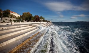 Poslechněte si varhany moře v Zadaru